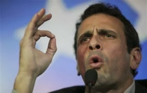 http://4.bp.blogspot.com/-RfnNSvxQ0HM/UnruorHwC9I/AAAAAAAADgs/YRELfD9jECw/s1600/Capriles-300x190.jpg